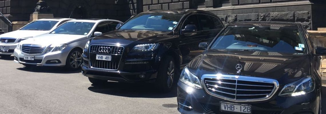 Chauffeur limo Melbourne airport transfers Brighton VIC by United Chauffeured cars